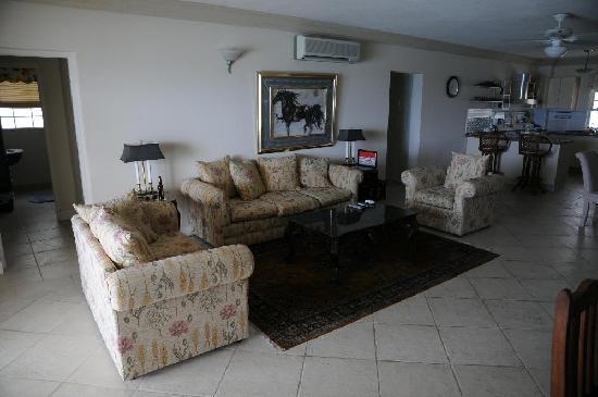 Mistle Cove: Living room of 307