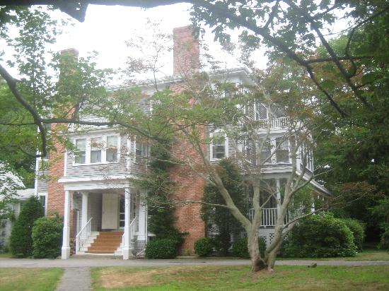 Old Sea Pines Inn: main house at Old Sea Pines Inn