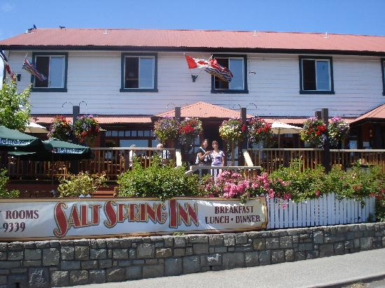 Salt Spring Inn Restaurant : Happy Inn visitors. We'll be back!