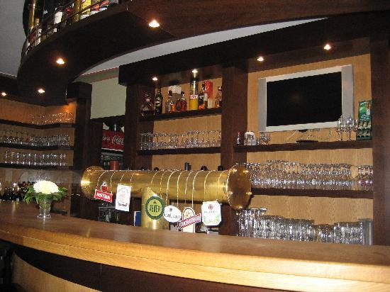 Zum Zeppelin: Bar at the hotel
