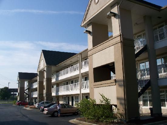 Extended Stay America - Roanoke - Airport: Exterior of hotel (facing freeway)