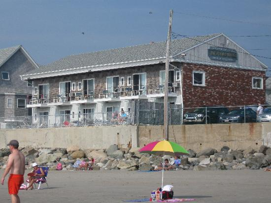 Lafayette's Oceanfront Resort: View of the Motor Inn from Beach