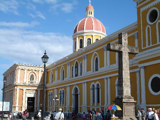 Hotel Colonial: The nearby Cathedral