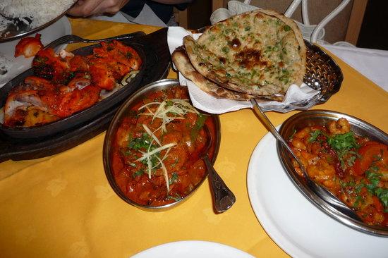 Punjab : チリナンです。タンドリーがおいしい。