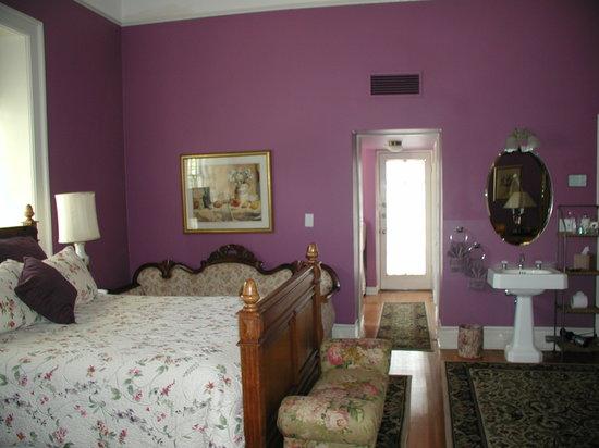 Royal Elizabeth Inn: Guest Room