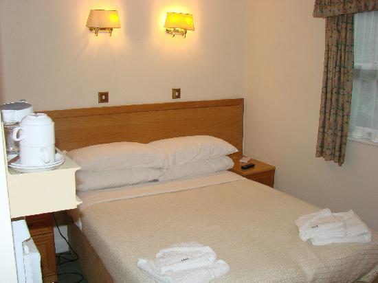 Regency Hotel - Nottingham Place: Bed
