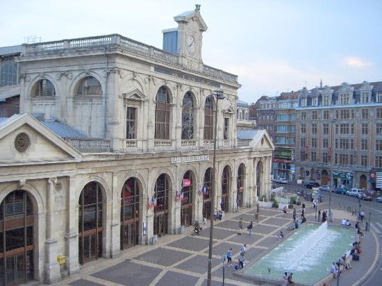 Hotel Flandre Angleterre: Local train station