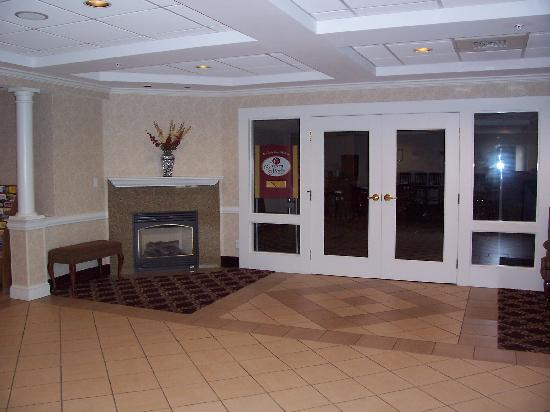 Holiday Inn Express Biddeford : lobby