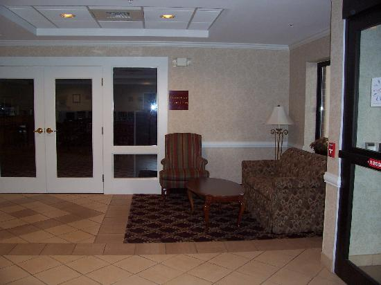 Holiday Inn Express Biddeford: lobby