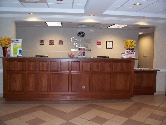 Holiday Inn Express Biddeford: front desk