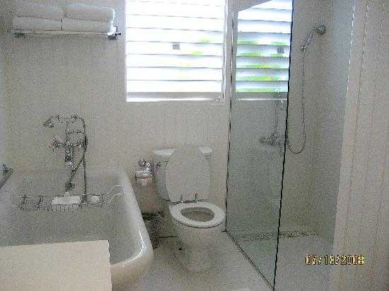 Round Hill Hotel & Villas: Bathroom