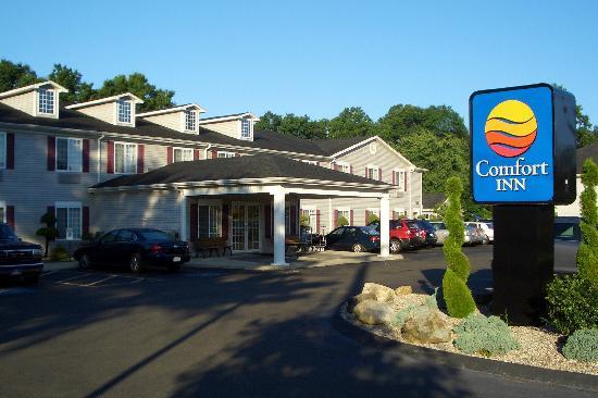 Comfort Inn : The hotel's exterior