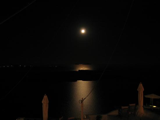 Uranos Traditional Houses: Full moon view at 4am