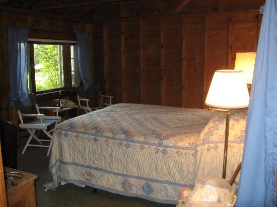 High Tide Inn: Our room