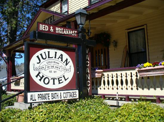 ‪‪Julian Gold Rush Hotel‬: The front sign.‬