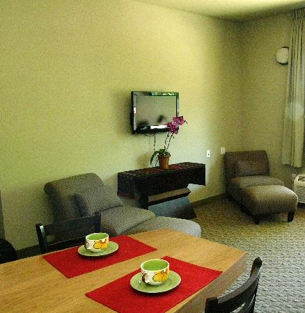 Gaia Hotel & Spa Redding, an Ascend Hotel Collection Member: Our room