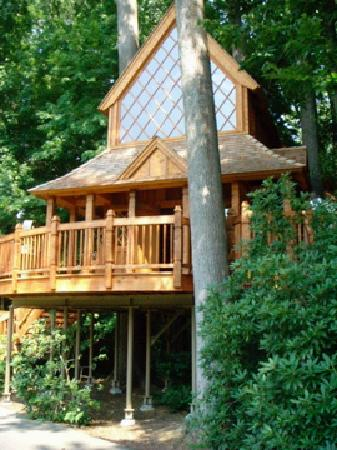 Roamers' Retreat Campground: Longwood Gardens Treehouse exhibit