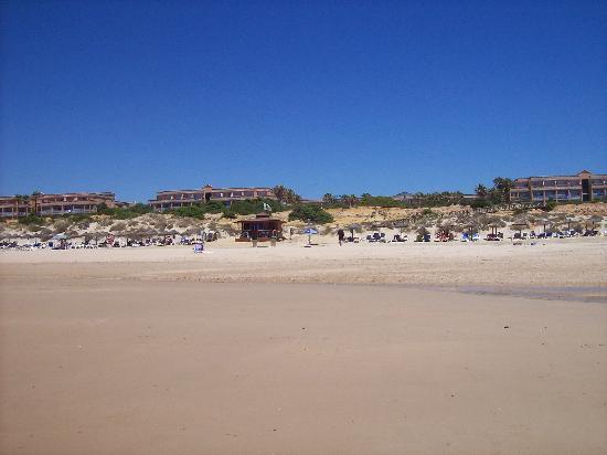 Piscina exterior: fotografía de Sensimar Playa la Barrosa, Chiclana de la Fro...