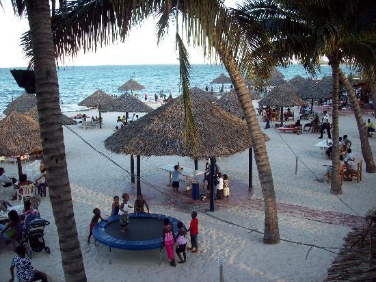 Jangwani Seabreeze Resort: Beach