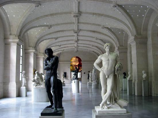 Musee des Beaux Arts : At the door