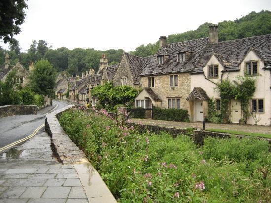 Castle Combe Village: Castle Combe