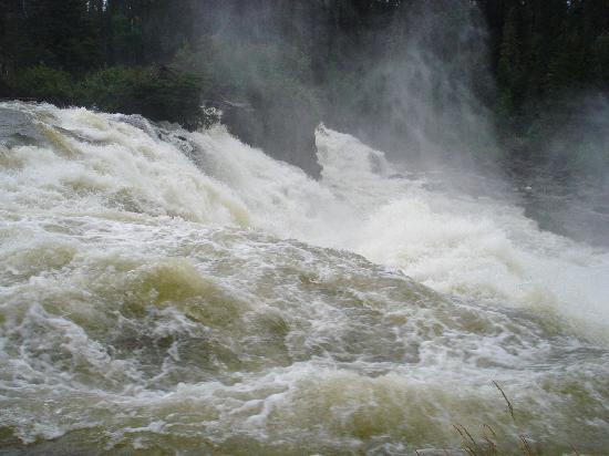 Kwastichewan Falls : Kwasitchewan Falls