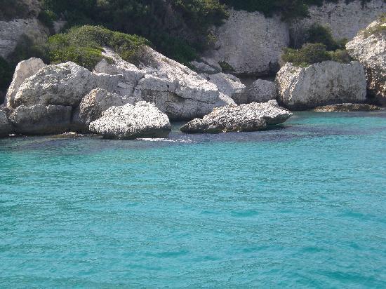 Porto Rafael, Italia: i colori del mare della Sardegna