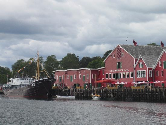 Sail Inn B&B: lovely lunenburg