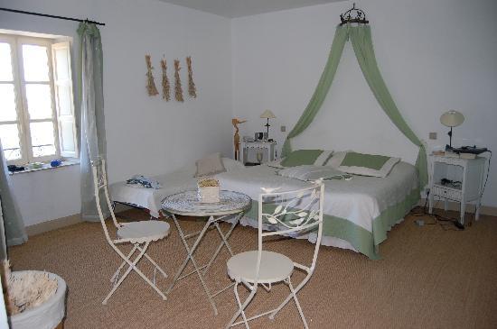 La Maison - Domaine De Bournissac: organdi