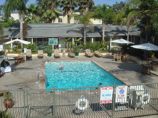Holiday Inn Express La Jolla: Pool view from bedroom - room 219