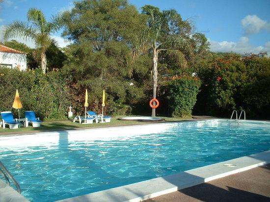 Los Llanos de Aridane, Spain: la piscina esta climatizada en invierno