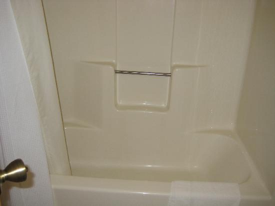 Holiday Inn Express Hotel & Suites Burlington South : Bathroom #3