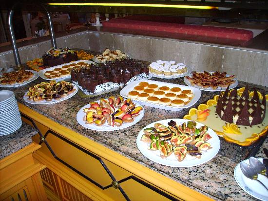 Hasdrubal Thalassa Hotel & Spa Port El Kantaoui: (buffet de desserts