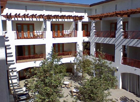 Hotel Casa 425: Hotel courtyard
