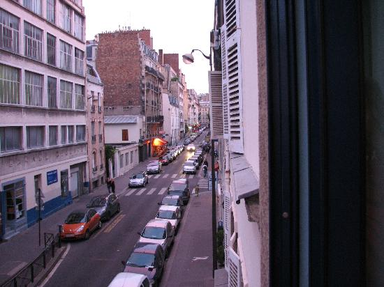 Solar Hotel: Rue Boulard from the Voyageurs room