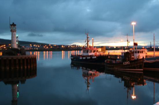 Mainland, UK : Kirkwall Harbour at night