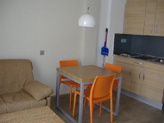 Odissea Park Apartaments : Kitchen Area