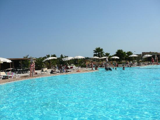 VOI Arenella resort: Am Pool