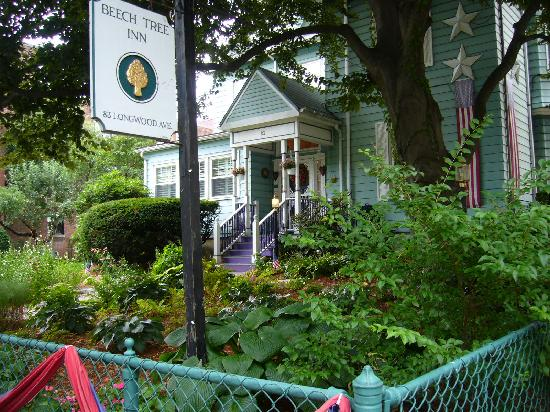 Beech Tree Inn- Brookline: The Beech Tree Inn Brookline
