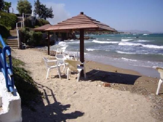 Attica Beach Hotel : keiner war zuständig für Sauberkeit