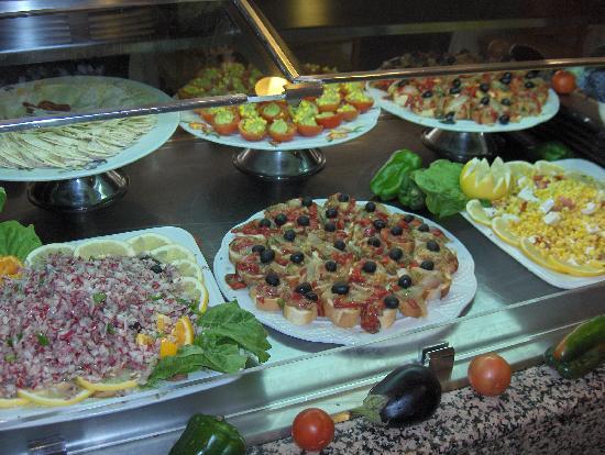 Sunrise Beach Maxorata: buffet canarien