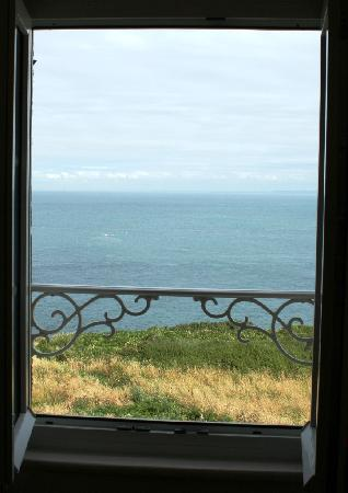 Hotel Restaurant Pointe du Grouin: View from our window