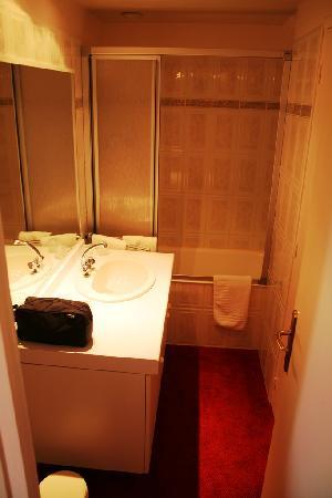Hotel Restaurant Pointe du Grouin: Bathroom