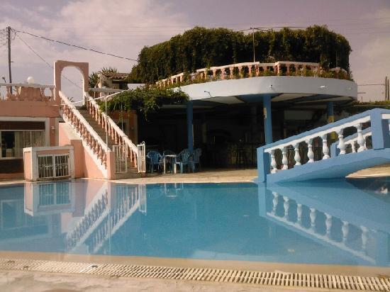 Blue Lagoon Holiday Apartments Piscine Du
