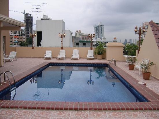 Hotel Coral Suites: La piscine