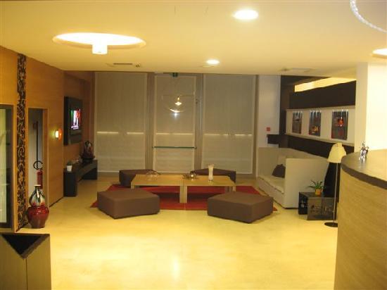Sanlu Hotel: Sala TV
