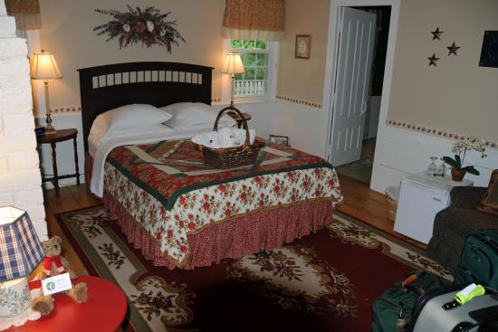Coach Stop Inn Bed and Breakfast: Heritage room