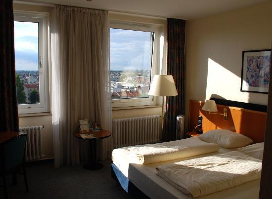 Holiday Inn Berlin Mitte: My room on the 8th floor