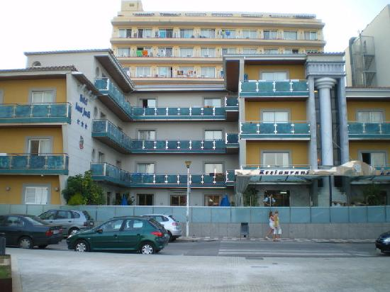 Sant Jordi Boutique Hotel : Front view of hotel