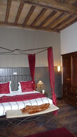 Hotel Harmony: Room 11